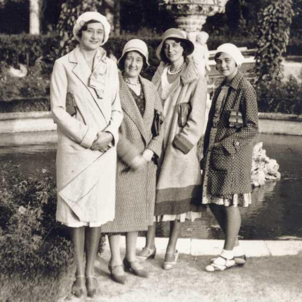 historisches Foto Frauen